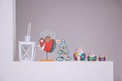 Russe Matreshka traditionell mit Santa Claus-Dekoration lizenzfreies stockbild