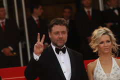 Russell Crowe en Danielle Spencer Stock Foto's