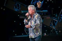 Russell Hitchcock från lufttillförsel som sjunger härlig melodi på Epcot i Walt Disney World 9 fotografering för bildbyråer