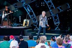 Russell Hitchcock från lufttillförsel som sjunger härlig melodi på Epcot i Walt Disney World 3 fotografering för bildbyråer