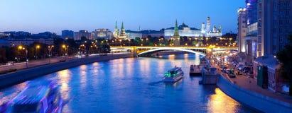 Russia-01 06 2014, взгляд ночи панорамы Москвы Кремля Стоковые Изображения