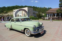 Retro Chevrolet Fleetline Deluxe 1950 release car for photo shoots, wedding ceremonies, retro parties and romantic walks stock photography