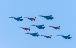 The Russian Knights and 5 Su-27 Swifts Royalty Free Stock Photos