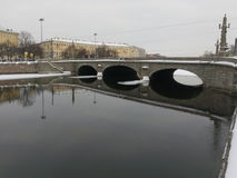 Russian northern city of St. Petersburg. winter. sneg.led, morz.most. Fontanka Embankment. reflection Stock Images