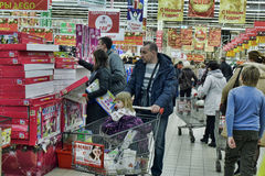 Russian people in the supermarket Royalty Free Stock Photography