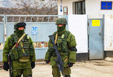 Russian soldiers in Perevalne, Crimea Stock Images