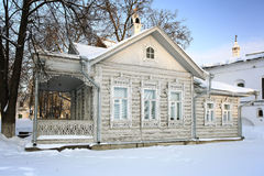 Russian winter cotage traditional house Royalty Free Stock Photos