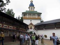 Russie pechora Pskov foudroie le monastère Photos stock