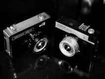 Russie samara 30 avril 2017 Vieille automobile de Viliya d'entreprise d'appareil-photo de film sur une rétro image Photographie stock libre de droits