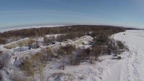 Russie St Petersburg Kronshtadt La côte du golfe de Finlande près du ` du ` SHANETS de fort banque de vidéos