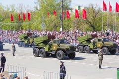Russisch militair vervoer bij de parade op jaarlijkse Victory Day Royalty-vrije Stock Fotografie