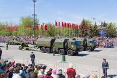Russisch militair vervoer bij de parade op jaarlijkse Victory Day Royalty-vrije Stock Foto