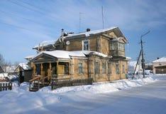 Russisch noordelijk huis stock afbeeldingen