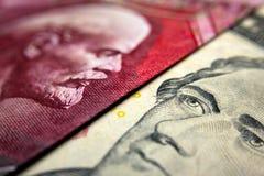 Russisch roebelrekening & dollarbankbiljet Royalty-vrije Stock Foto's
