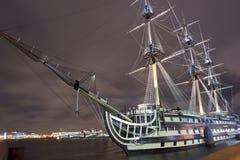 Russisch schip in de nacht Stock Foto's