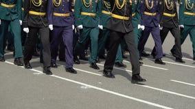 Russische Armeesoldaten stock footage