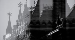 Russische doppelköpfige Adler auf dem Kreml in Russland Stockfotografie
