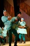 Russische Festivals des traditionellen Tanzes der Fabrikstadtrände - fröhliche Quadrille lizenzfreie stockfotos
