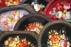 Russische geschilderde dienbladen Stock Foto's