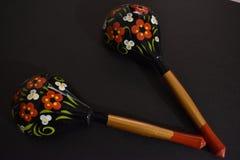 Russische geschilderde houten lepels stock foto's