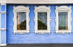 Russische gesneden kaders van blokhuizen Stock Afbeelding