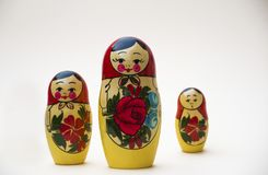 Russische het Nestelen Doll op een witte achtergrond royalty-vrije stock afbeeldingen