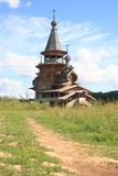 Russische houten orthodoxe kerk Stock Foto