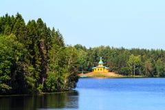 Russische kerk in Staraya Sloboda, Rusland royalty-vrije stock foto's