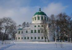 Russische Kirche im Winter Stockfoto
