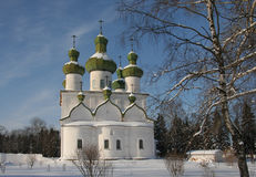 Russische Kirche im Winter Stockfotografie