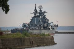Russische Marine Sovremenny-klasse torpedojager BESPOKOYNYY van de Baltische Vloot royalty-vrije stock foto's