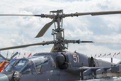 Russische Militärhubschrauber an der internationalen Ausstellung Stockfotografie
