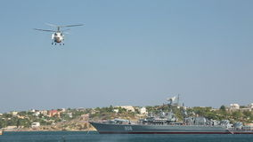 Russische Militaire Helikopter stock video