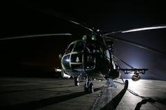 Russische militaire helikopters, nacht Stock Afbeeldingen