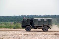 Russische militaire vrachtwagen Stock Foto