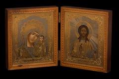 Russische orthodoxe Ikone auf schwarzem Hintergrund Stockbilder