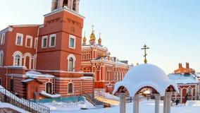 Russische Orthodoxe kerk Het klooster van Iversky in Samara, Rusland stock footage