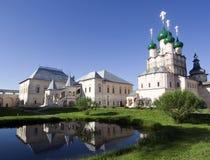 Russische orthodoxe kerk in rostovstad stock afbeeldingen