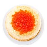 Russische Pfannkuchen mit rotem Kaviar Stockfotos