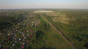 Russische platteland en spoorweg, luchtmening stock videobeelden