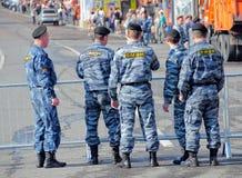 Russische politie, speciale ploeg (OMON) Stock Foto's