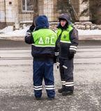 Russische Polizeipatrouille des Zustands-Automobil-Inspektorats Lizenzfreie Stockfotografie