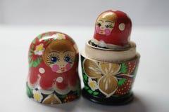 Russische Puppen sind Andenken von Russland lizenzfreie stockfotos