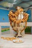 Russische samovar in de sauna Royalty-vrije Stock Afbeeldingen