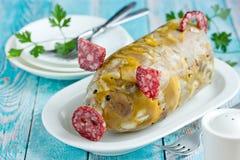 Russische schotel holodets, hoofdkaas, de gelei van het varkensvleesvlees, aspic in fles gevormd grappig varken royalty-vrije stock foto's