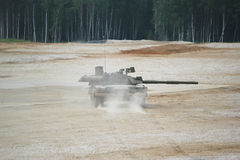 Russische tank ter plaatse Stock Foto