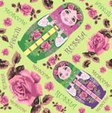 Russische traditionele matryoshka (Matrioshka) in nationale stijlkostuum en rozen Volks genesteld poppen naadloos patroon Stock Fotografie