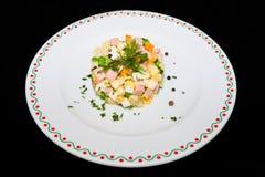Russische traditionele salade Olivier Stock Foto