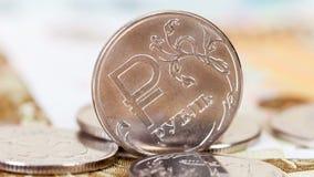 Russische Währung, Rubel: Banknoten und Münzen stock video
