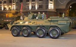 Russische Waffen Wiederholung der Militärparade (nachts) nahe dem Kreml, Moskau, Russland Lizenzfreie Stockfotos